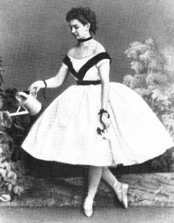 знаменитая российская балерина Прасковья Прохоровна Лебедева. фото