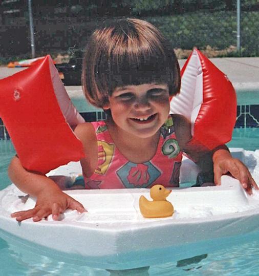 Эрин Брэди в детстве