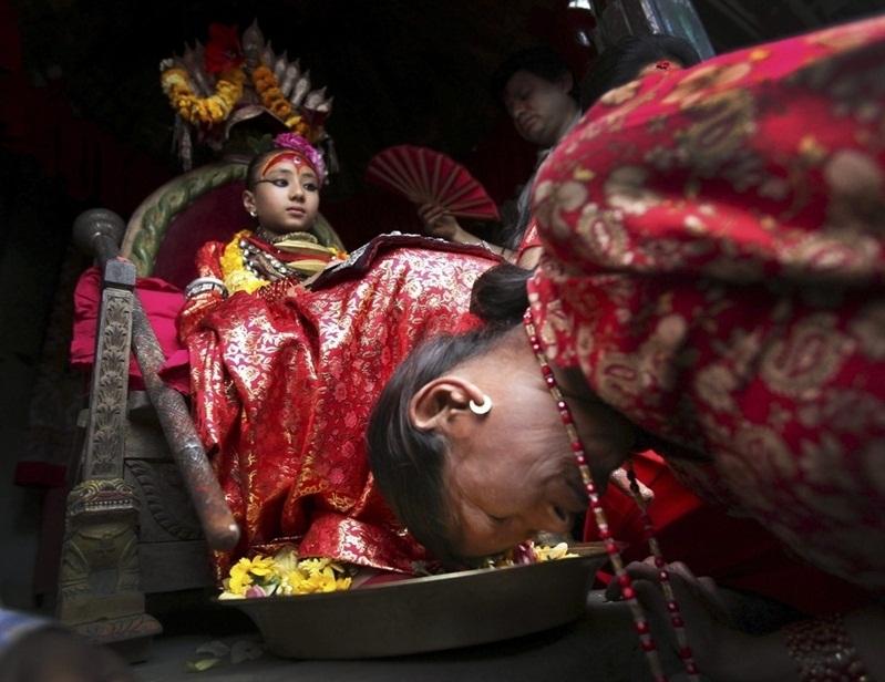 Кумари - живая богиня в Непале. фото