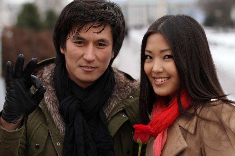 певец Тынай Алыбаев и модель Айжамал Осмонова. фото