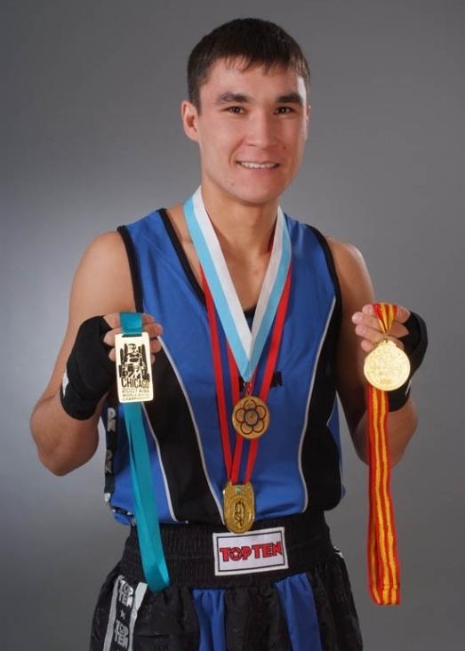 Серик Сапиев - казахский боксёр. фото