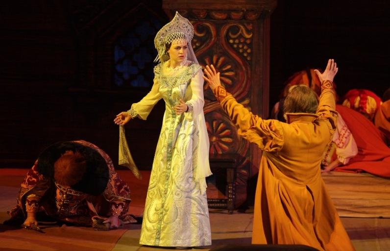 солистка Большого театра Венера Гимадиева - Марфа (Царская невеста). фото
