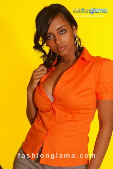 красивая эфиопская девушка Eyaluta Seifu. фото