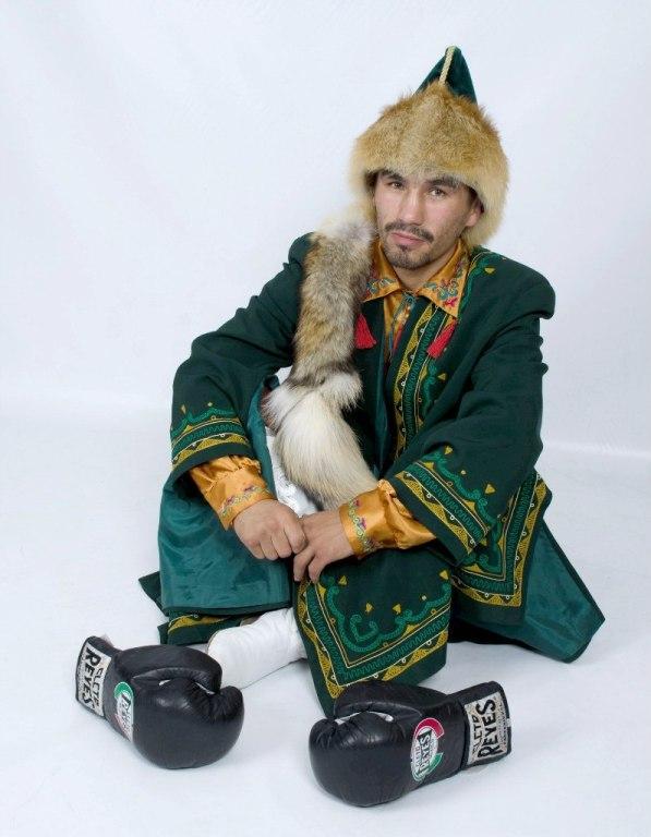 боксер Денис Шафиков (Чингисхан) фото
