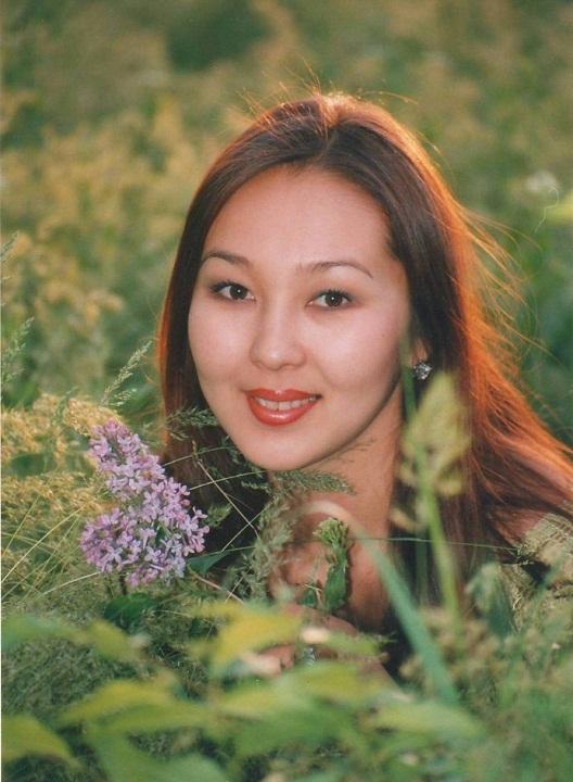 Дельгира Церенова (Калмыкия) Первая Вице-Мисс Россия 1995 фото