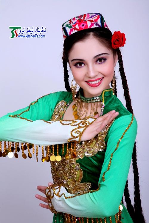 самая красивая уйгурка Mahire Emet. Фото