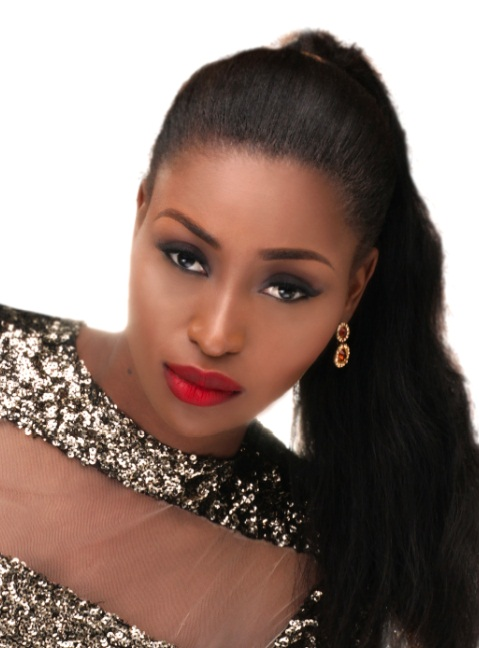 Мисс Вселенная 2013: участница Stephanie Okwu (Нигерия). фото