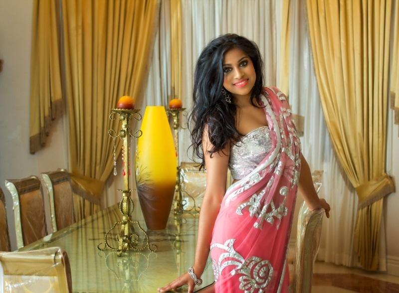 Мисс Вселенная 2013 участница Katherina Roshana - Гайана фото