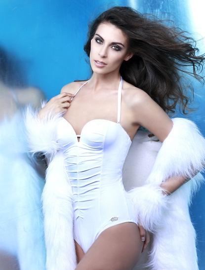Мисс Вселенная 2013 участница Maria-Jesus Matthei - Чили фото