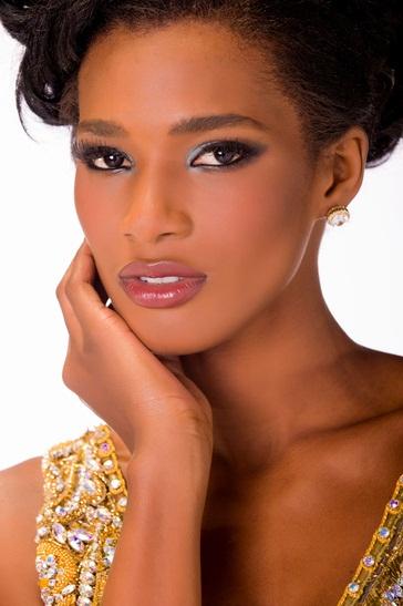 Мисс Вселенная 2013 участница Mondiana Pierre - Гаити фото