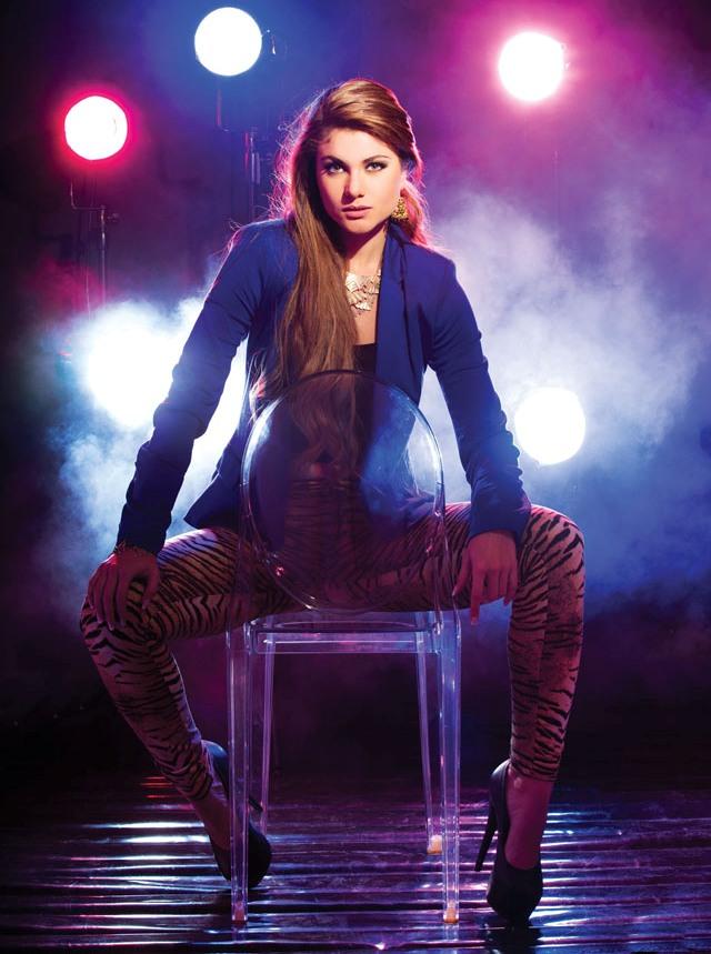 Констанца Баес (Эквадор) Вторая Вице-мисс Вселенная 2013 фото