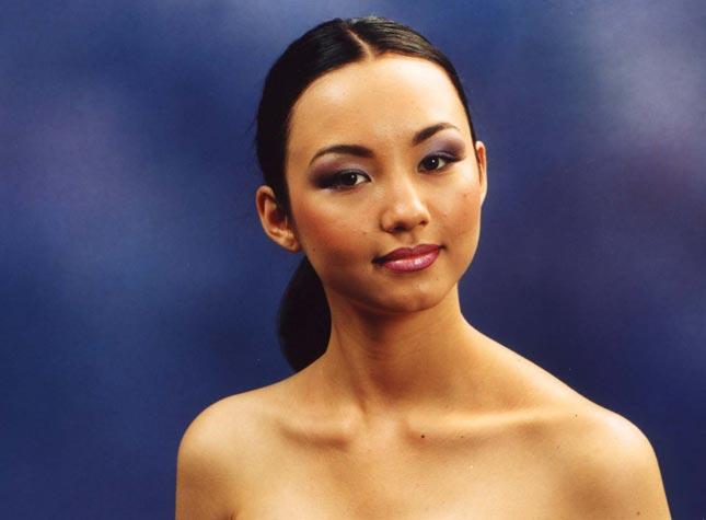 Гульмира Махамбетова победительница конкурса Мисс Казахстан 2001. фото