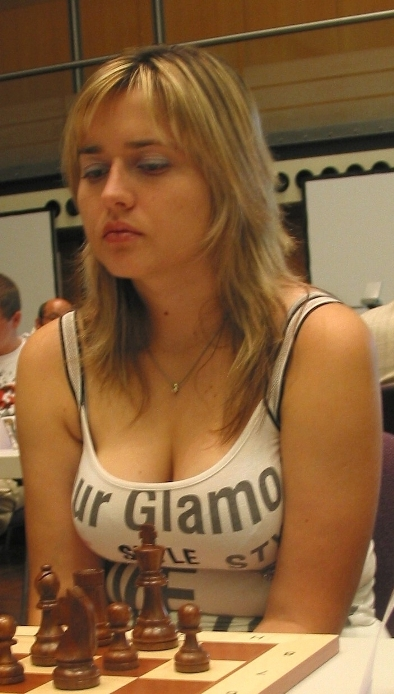 http://top-antropos.com/images/2/Chess-Beauty/%D0%9D%D0%B0%D1%82%D0%B0%D0%BB%D1%8C%D1%8F%20%D0%96%D1%83%D0%BA%D0%BE%D0%B2%D0%B01.JPG