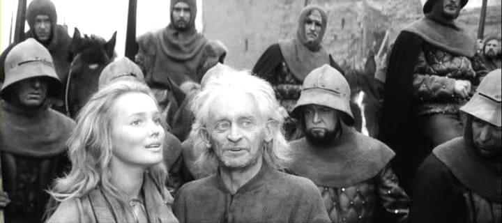 Regele Lear (1970).  Regele Lear (Yuri Yarvet) şi Cordelia (Valentine Shendrikova)