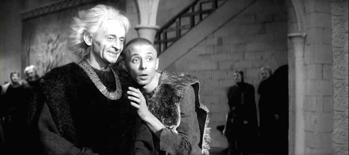 Regele Lear (1970).  Regele Lear (Yuri Yarvet) şi Fool (Oleg Dal)
