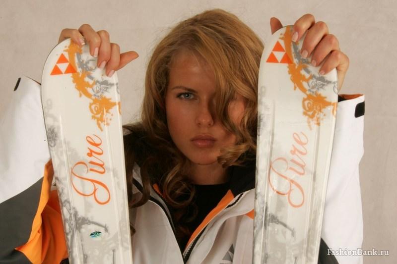 Екатерина Арцыбышев с лыжами фото