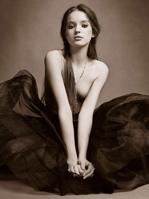 Амина Каддур / Amina Kaddur алжирская модель фото