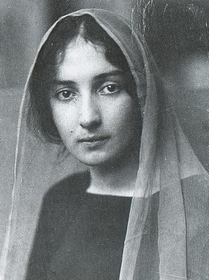 Белла Шагал-Розенфельд в молодости фото