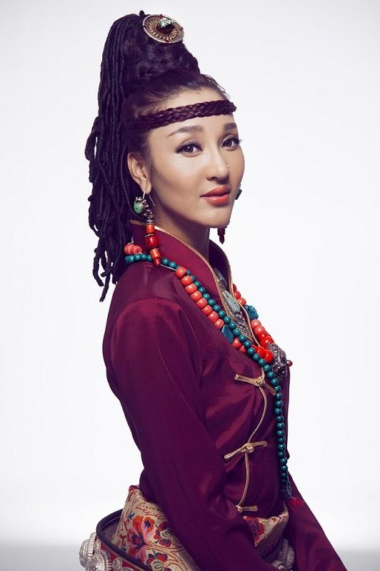 красивая тибетка Sonam Wangmo фото