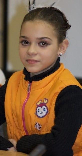 фигуристка Аделина Сотникова в детстве фото