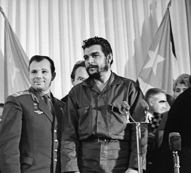 Эрнесто Че Гевара и Юрий Гагарин фото