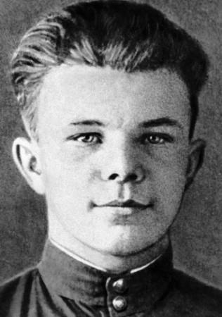 Юрий Гагарин в детстве фото