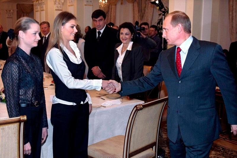Путин с девушкой на олимпиаде фото
