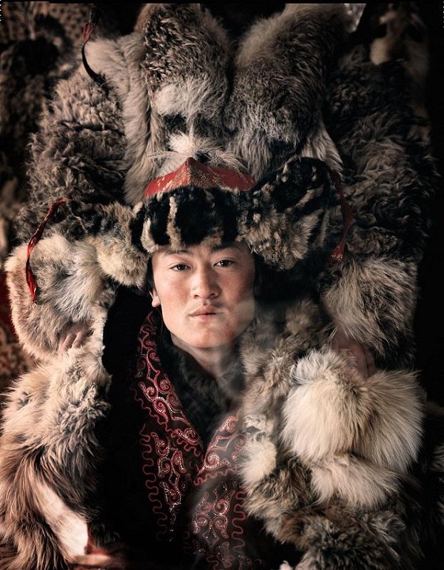 Казахи в Монголии охота с беркутами Казахи в Монголии: охота с беркутами  D0 BA D0 B0 D0 B7 D0 B0 D1 85 D0 B8 20 D0 B2 20 D0 9C D0 BE D0 BD D0 B3 D0 BE D0 BB D0 B8 D0 B8 20Jimmy 20Nelson 20 D1 84 D0 BE D1 82 D0 BE 20 5