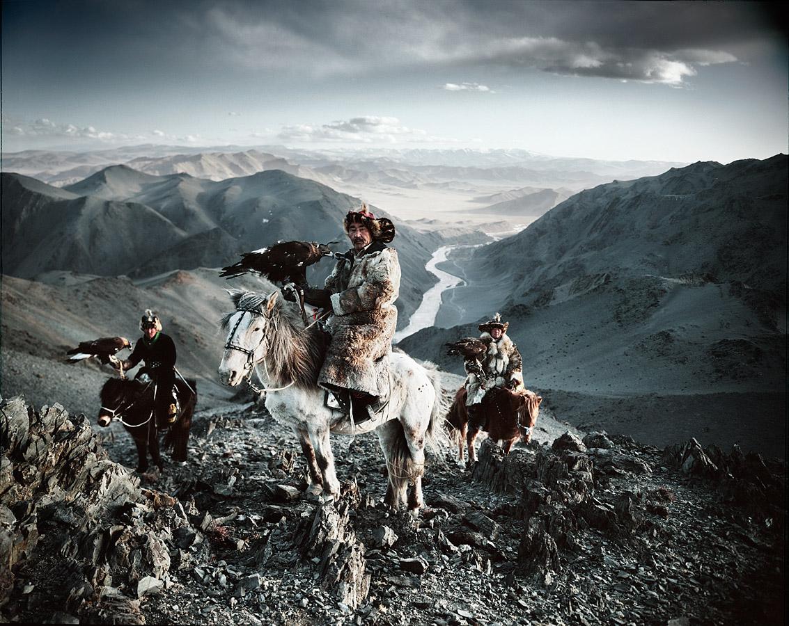 Казахи в Монголии охота с беркутами Казахи в Монголии: охота с беркутами  D0 BA D0 B0 D0 B7 D0 B0 D1 85 D0 B8 20 D0 B2 20 D0 9C D0 BE D0 BD D0 B3 D0 BE D0 BB D0 B8 D0 B8 20Jimmy 20Nelson 20 D1 84 D0 BE D1 82 D0 BE 20 7