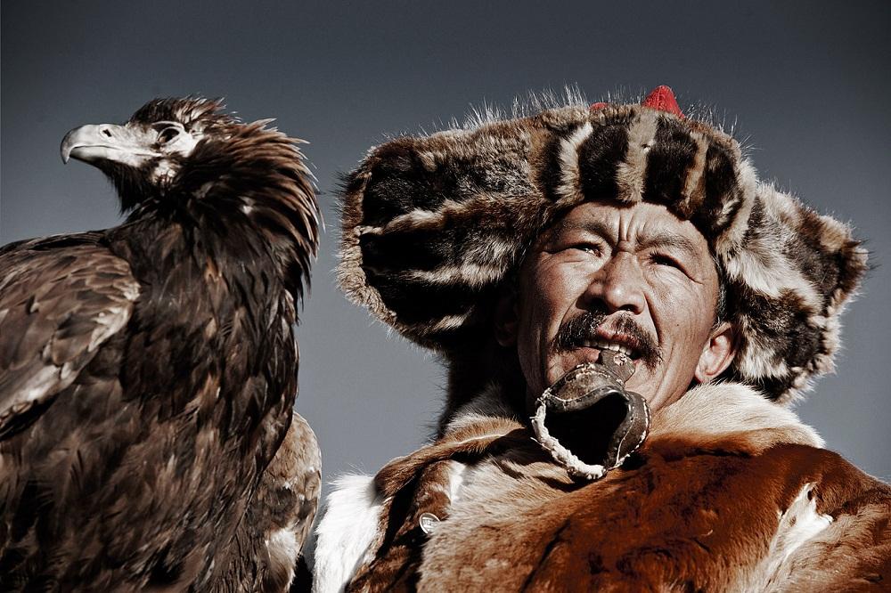 Казахи в Монголии охота с беркутами Казахи в Монголии: охота с беркутами  D0 BA D0 B0 D0 B7 D0 B0 D1 85 D0 B8 20 D0 B2 20 D0 9C D0 BE D0 BD D0 B3 D0 BE D0 BB D0 B8 D0 B8 20Jimmy 20Nelson 20 D1 84 D0 BE D1 82 D0 BE 20 8