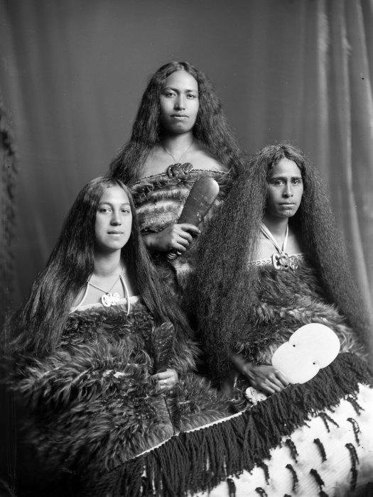 http://top-antropos.com/images/21/maori/%D0%B4%D0%B5%D0%B2%D1%83%D1%88%D0%BA%D0%B8%20%D0%BC%D0%B0%D0%BE%D1%80%D0%B8%20%20(2).jpg
