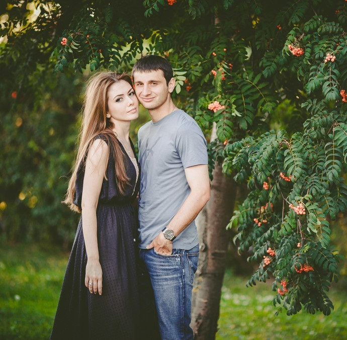 Алан Дзагоев и его жена Зарема Абаева фото