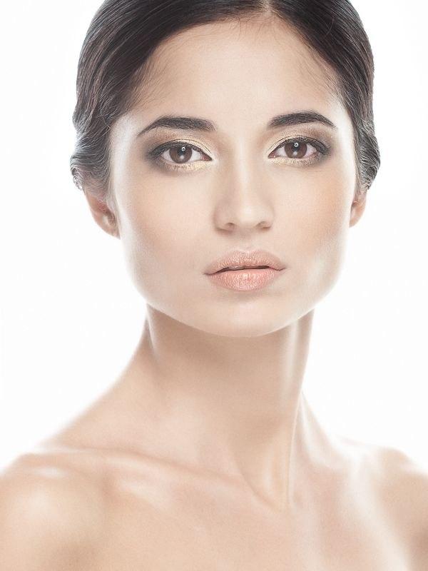 Самая красивая ногайская девушка Динара Эльгайтарова. фото