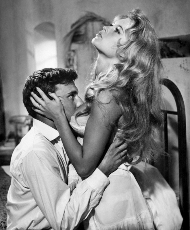 Фильм И Бог создал женщину (1956) смотреть онлайн бесплатно в хорошем качестве без регистрации, скачать