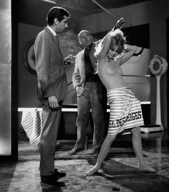 Фильм Отпустив поводья (1961) смотреть онлайн бесплатно в хорошем качестве без регистрации, скачать