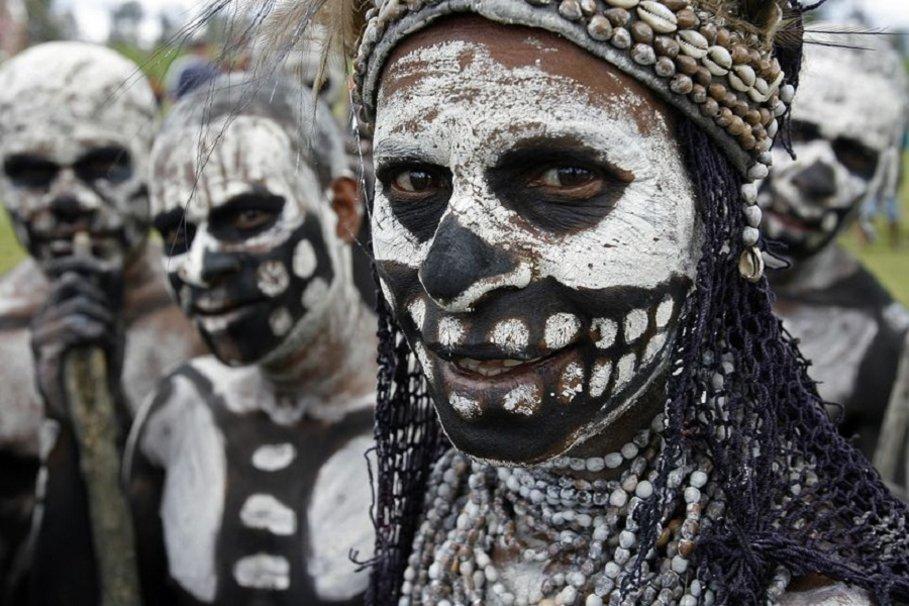 Папуасы Новой Гвинеи из племени скелетов. фото Папуасы Папуасы из племени скелетов (18 фото)  D0 9F D0 B0 D0 BF D1 83 D0 B0 D1 81 D1 8B 20 D0 BF D0 BB D0 B5 D0 BC D1 8F 20 D1 81 D0 BA D0 B5 D0 BB D0 B5 D1 82 D0 BE D0 B2 20 D1 84 D0 BE D1 82 D0 BE 20 7