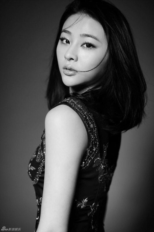 самая красивая монголка Китая актриса Сэцэнгуа / Siqin Gaowa. фото