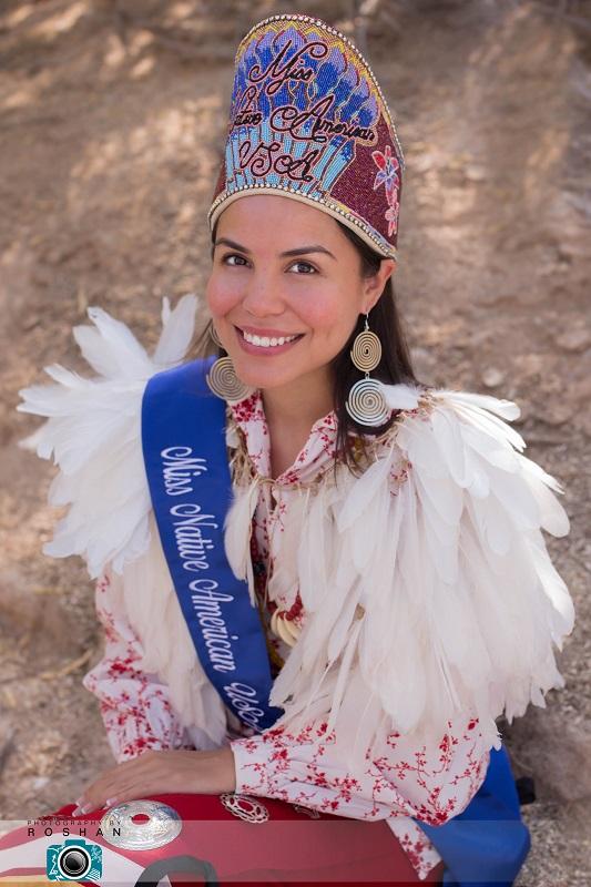 индейская девушка из племени чероки. фото