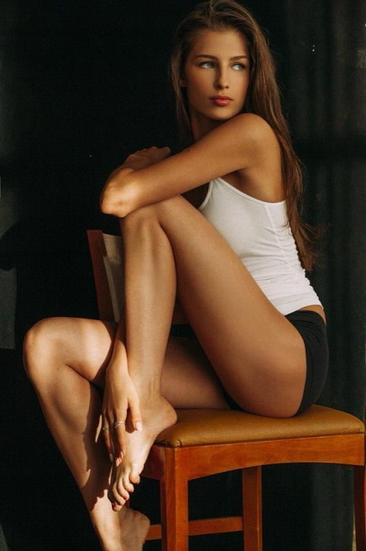 golie-russkie-modeli-miss-rossiya-porno-s-videokasset-video-onlayn