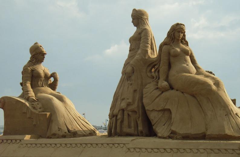 Суд Париса. Скульптура из песка