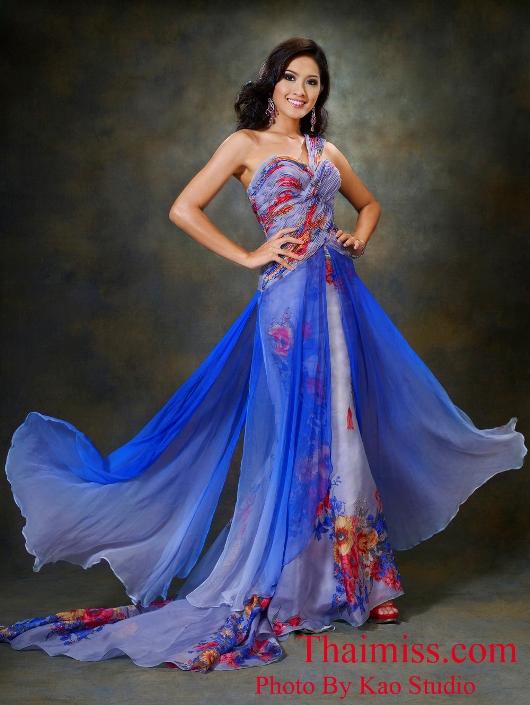 Самая красивая тайка - Мисс Таиланд 2008, первая Вице-Мисс Интернешнл 2010 Piyaporn Deejing. Фото