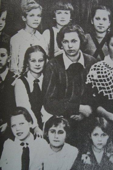 Елена Колесова с учениками. Фото