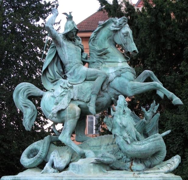 Георгий Победоносец. Статуя в Загребе (Хорватия)