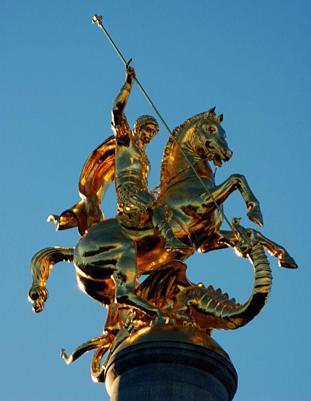 Георгий Победоносец. Статуя в Тбилиси (Грузия)