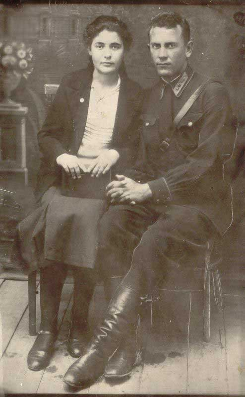 Ульяна Громова с братом Елисеем. Фотография