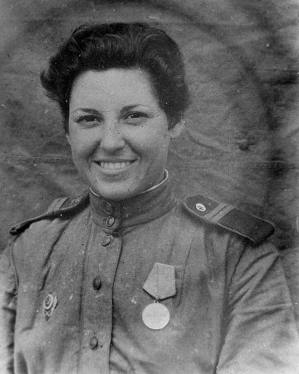 Снайпер Евгения Макеева. Фотография