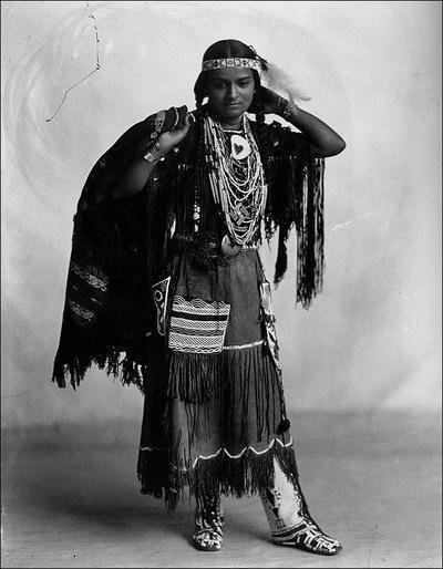 Североамериканская индианка (индеанка) из народа ирокезов. Фото
