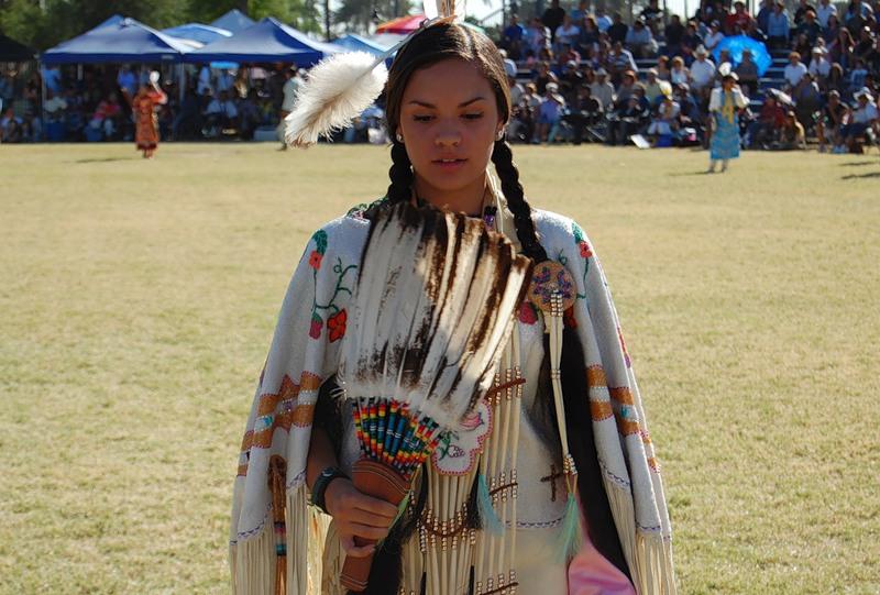 Североамериканская индианка (индеанка) предположительно из народа шайенов. Фото
