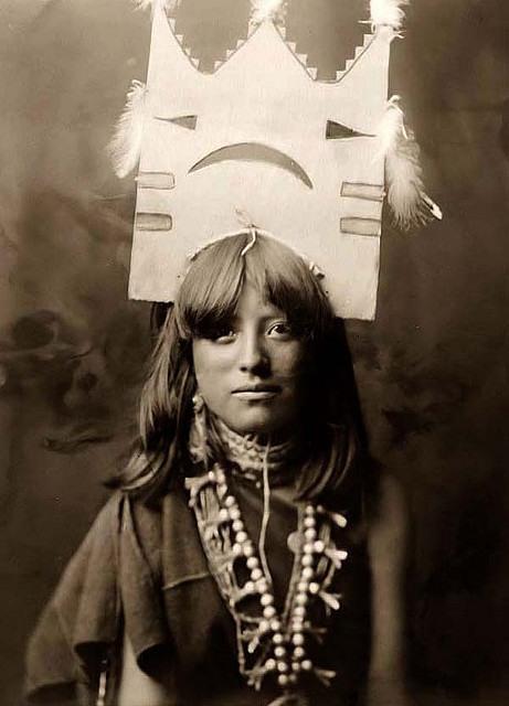 Североамериканская индианка (индеанка) предположительно из народности пуэбло. Фото