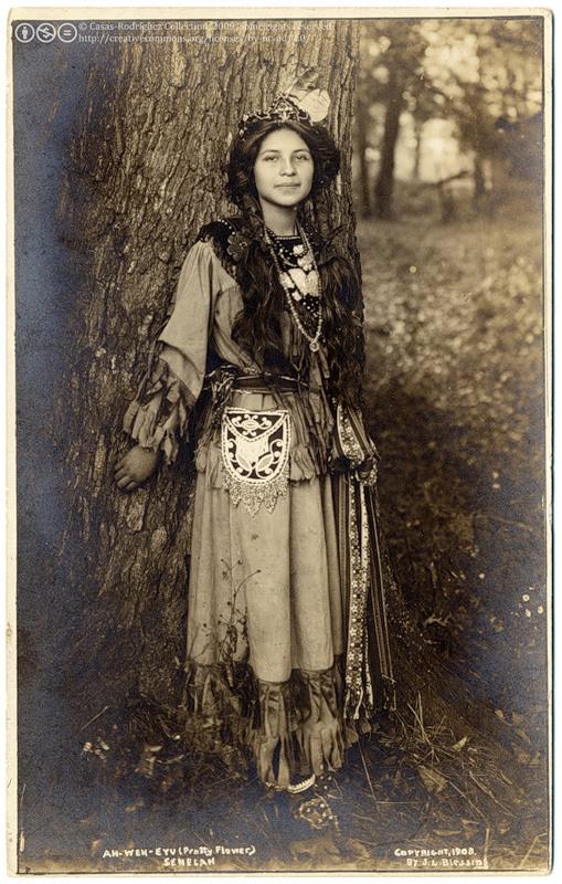 Североамериканская индианка (индеанка) из ирокезского племени сенека. Фото